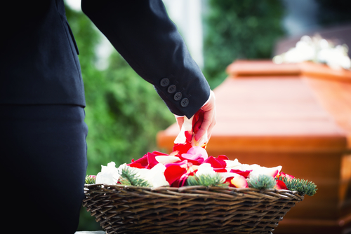 How to Ask for Funeral Expense Donations | Beyond the Dash