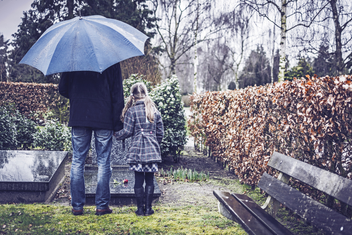 Mother's Day Dread: Why Grief is So Much Harder This Weekend